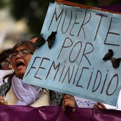 Marcha en La Paz recordando el Día de Internacional de la Eliminación de la Violencia contra la Mujer. EFE