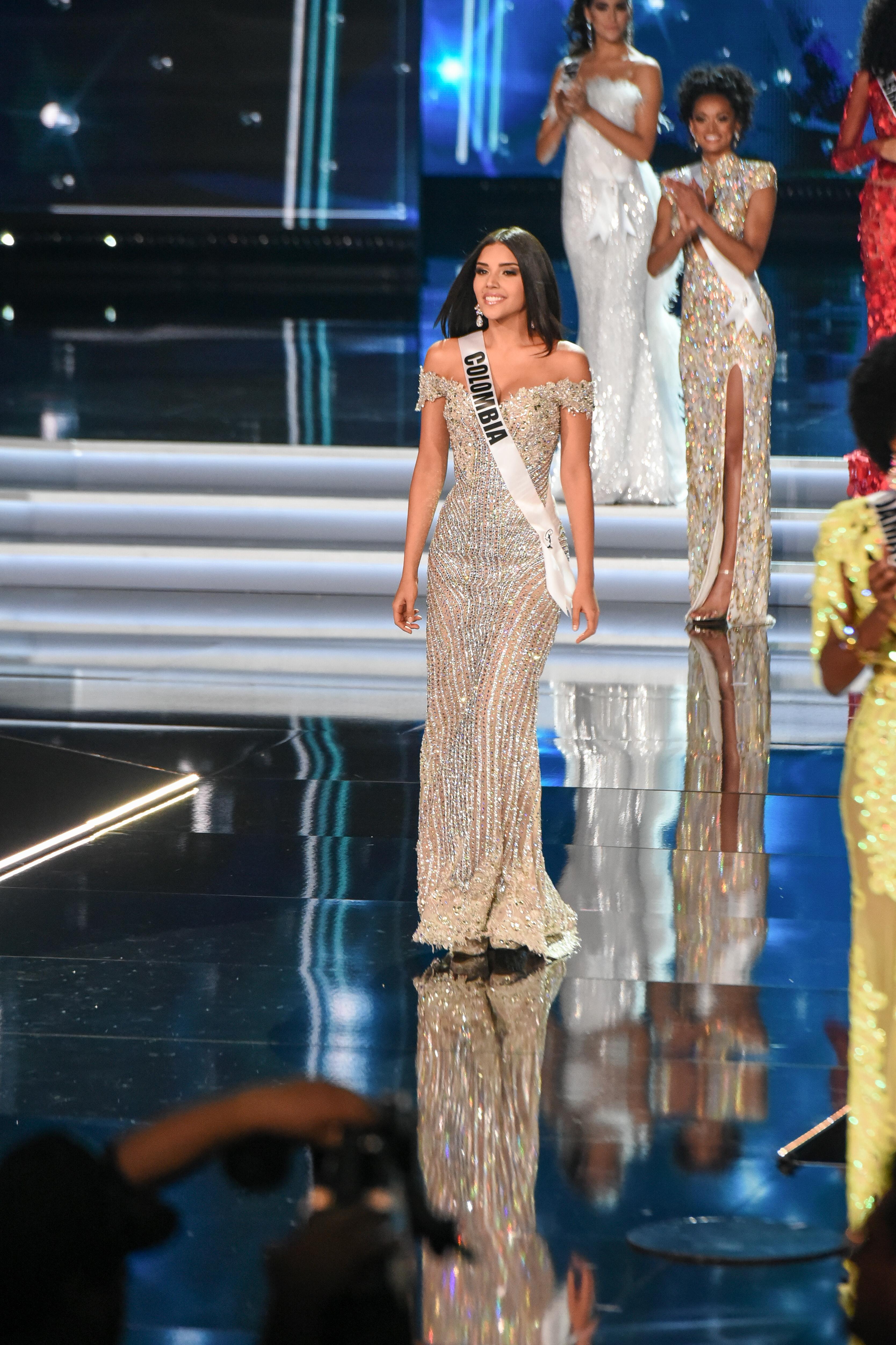 b72eb2f6d Miss Universo 2017  Los trajes de gala que más brillaron